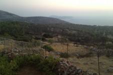 Θέα από τα Αυγώνυμα στη Χίο, το μάτι μας φτάνει μέχρι την όμορφη παραλια