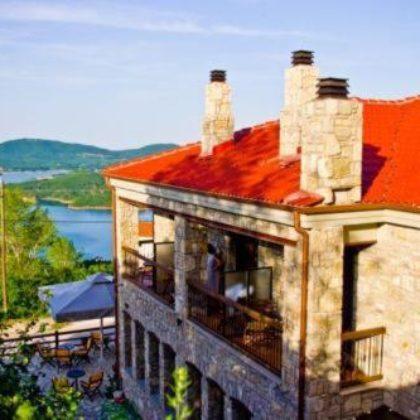 Λίμνη Πλαστήρα Διαμονή σε Παραδοσιακό Ξενώνα – Γης Χρυσοπέλεια